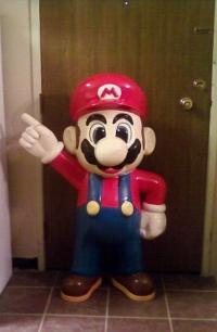 3 1/2 Ft. Mario Statue Box Art
